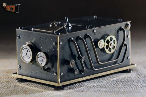 Бесполезная коробка в стиле стимпанк