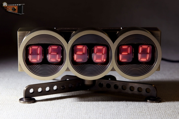 Тёплые ламповые часы на нумитронах
