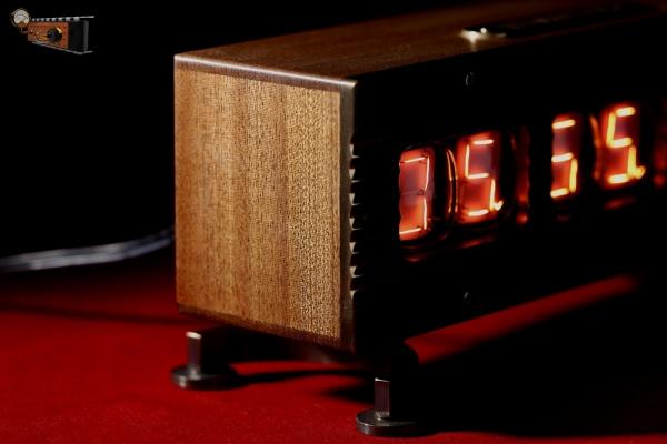 Настольные часы-будильник «Нумитрон»