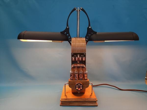 Настольная лампа Феникс