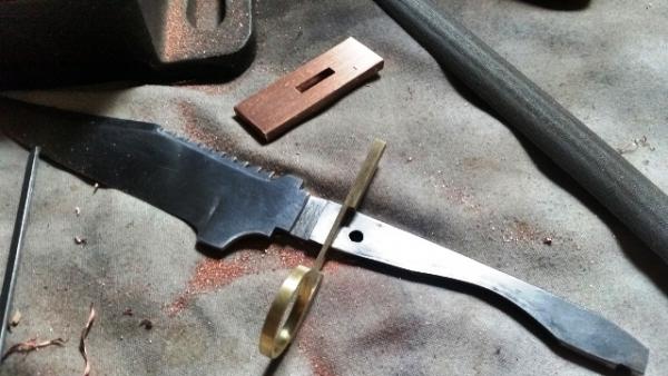 Двуствольный нож.