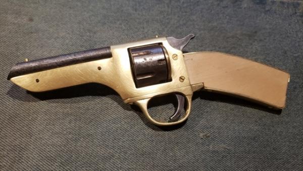 Ножельвер или Револьнож