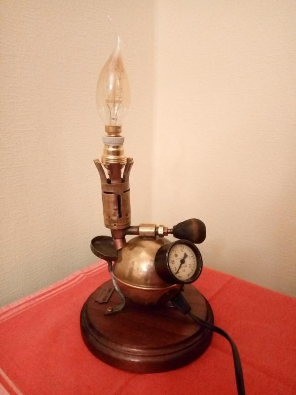 Еще пара настольных ламп на продажу