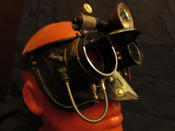 Постапок-маска, Прибор ночного видения.