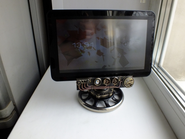 Настольная подставка для планшета