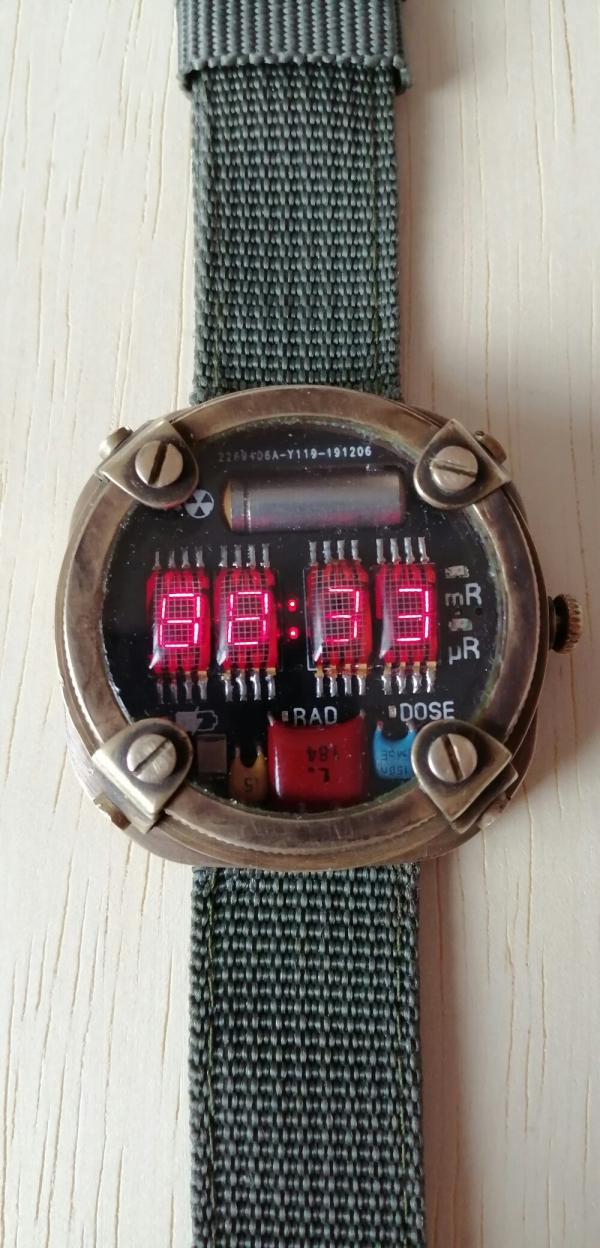 Metro Exodus часы-дозиметр.