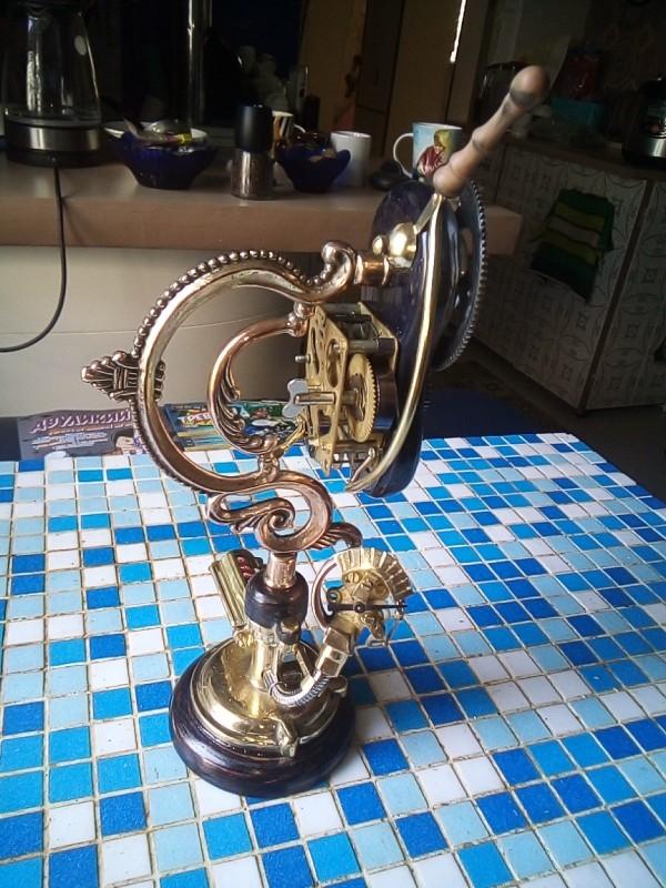 Крак скрестить будильник с жестким диском