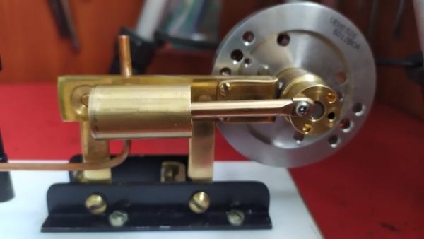 паровой двигатель из хлама