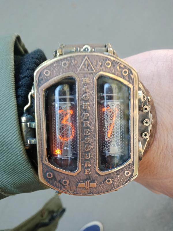 Наручные часы HIGH PRESSURE