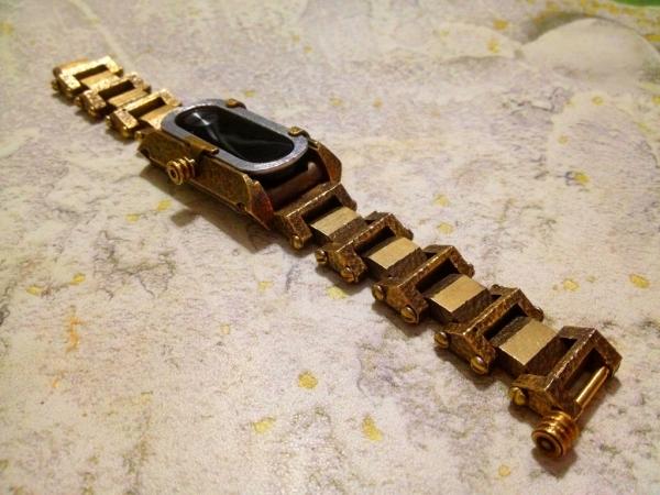 Бронзовый браслет для часов.