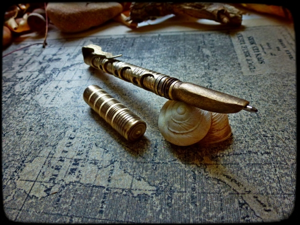 Эксцентричный инструмент для писателя