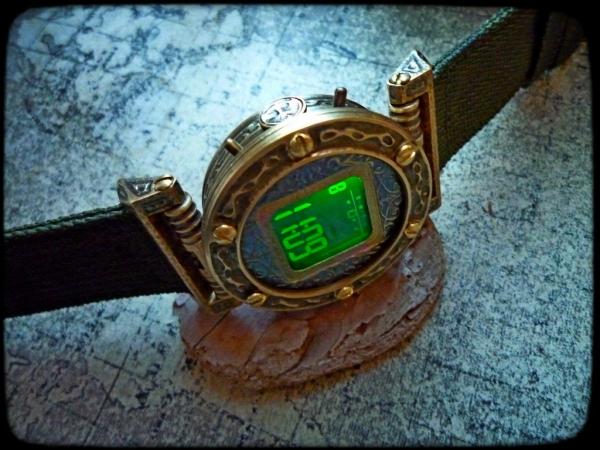 Электронные наручные часы