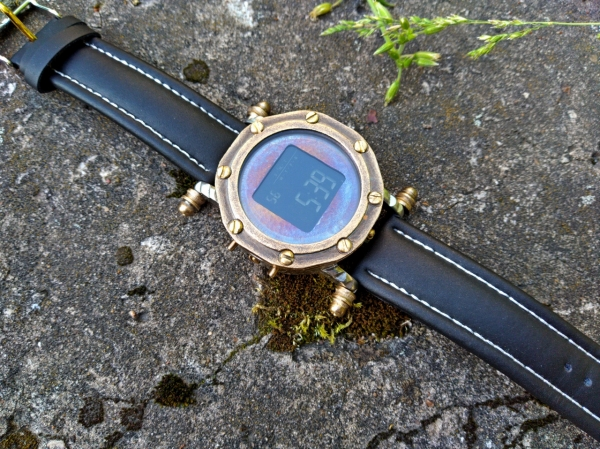 Электронные наручные часы Бездна