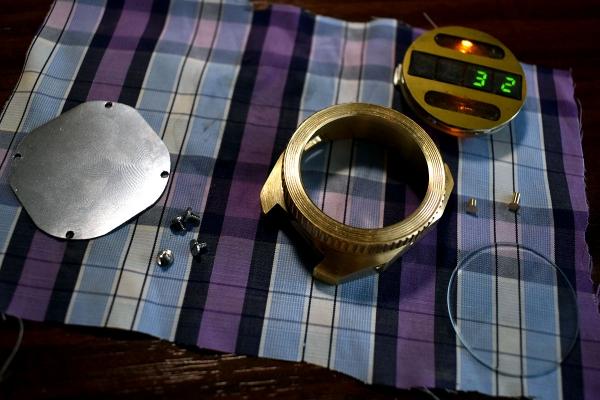 Наручные часы на семисегментных индикаторах