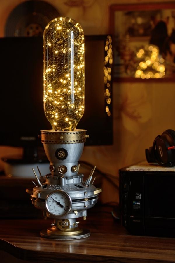 Антик. Интерьерный светильник с термометром.