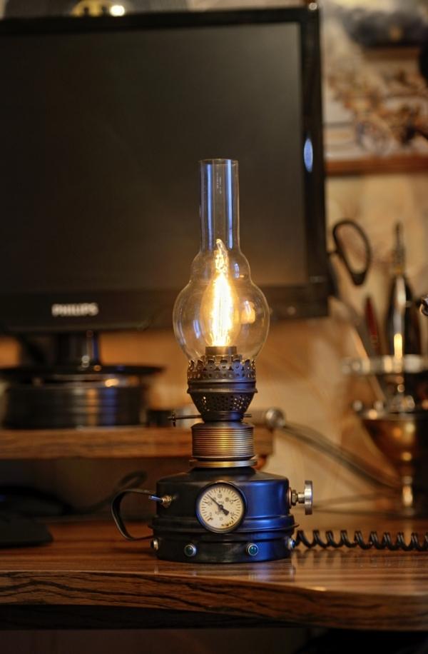 Светильник из керосиновой лампы...
