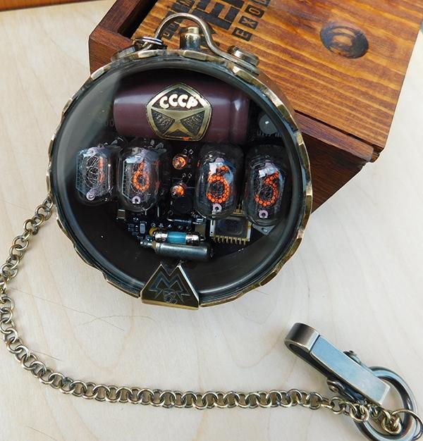Часы-дозиметр по мотивам METRO Exodus