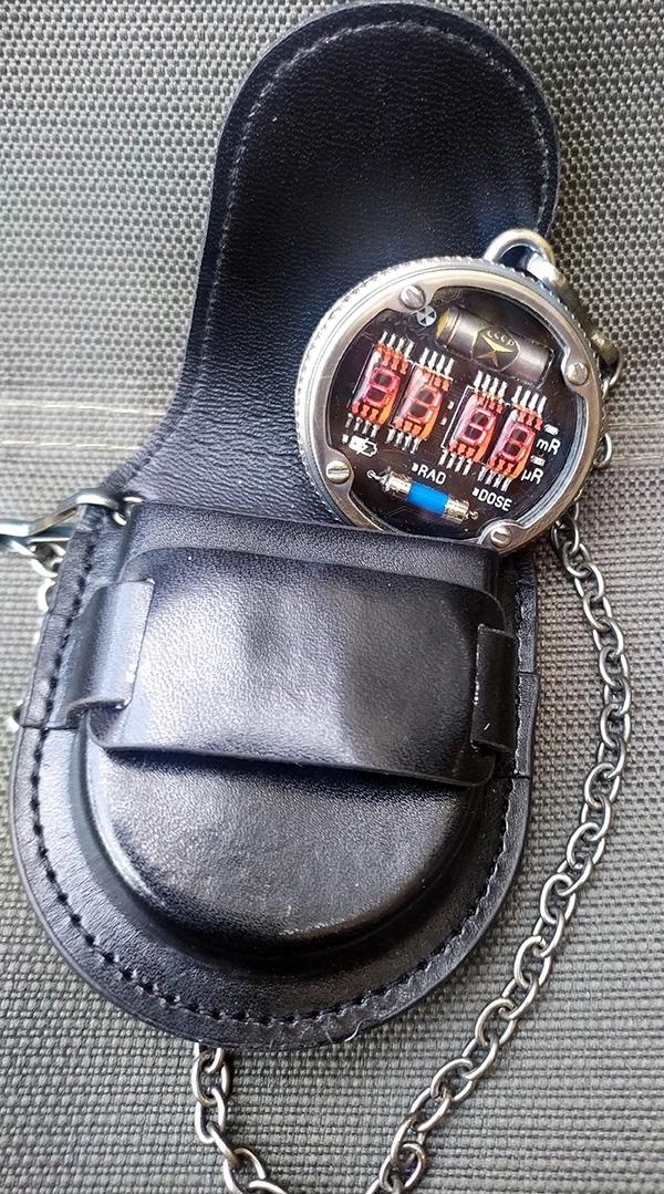 Карманные LED часы-дозиметр в стиле METRO 2033
