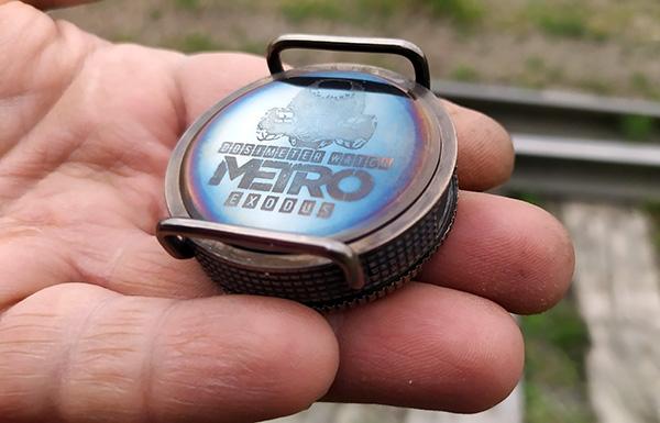 Часы-дозиметр в стиле Метро на матричном индикаторе, с ворклогом