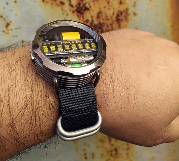 Часы-дозиметр на матричном индикаторе в духе Fallout