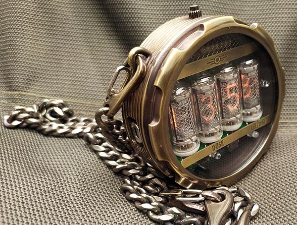 Карманные часы-дозиметр на ГРИ в стиле Fallout