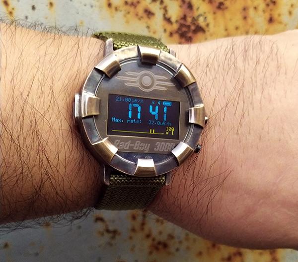 Наручный персональный дозиметр-часы в духе Fallout