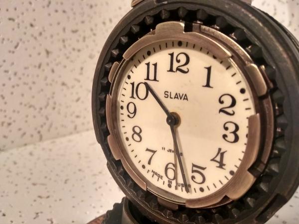 Часы - будильник Слава и конечно же светильник