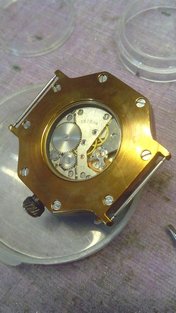 Часы в стиле стимпанк, реинкарнация Ракеты из СССР 106