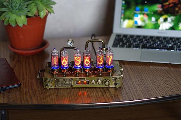 Электрические часы Иллюминатор системы профессора Арк. Тангенса