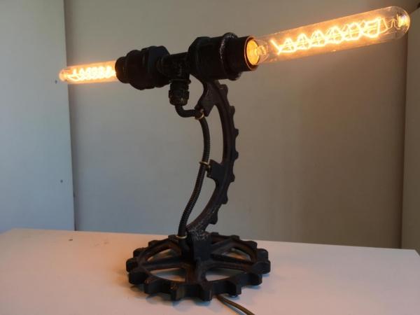 Стимпанк-лампа