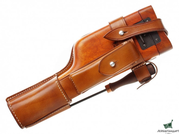 002-03-Mauser-leather-and-wood