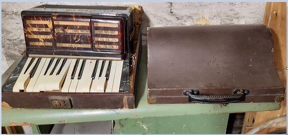 старый аккордеон
