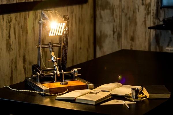 Настольная настенная лампа для чтения