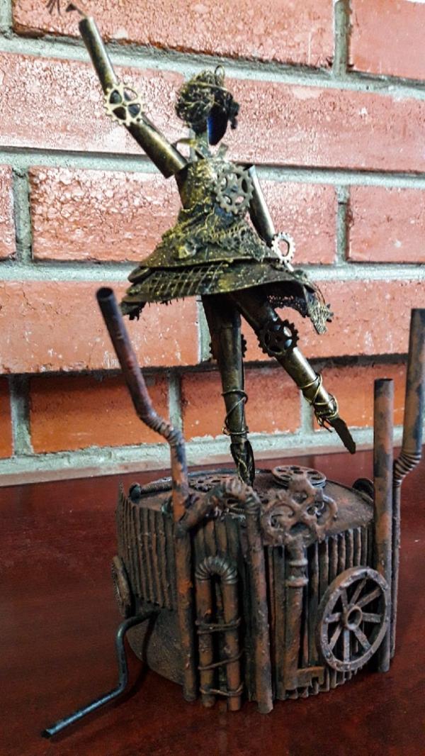 Механическая фигура: балерина