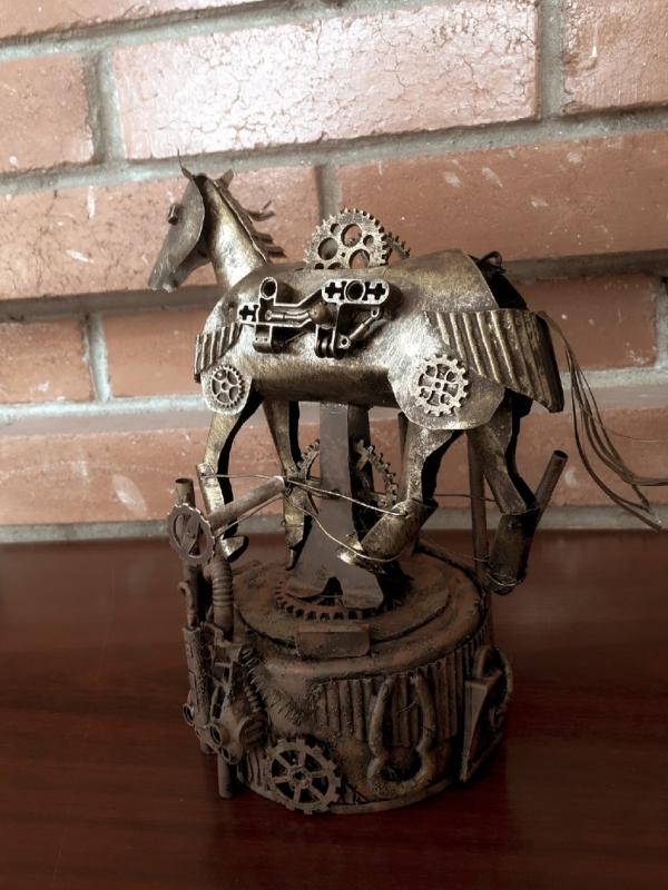 Фигура Механический конь