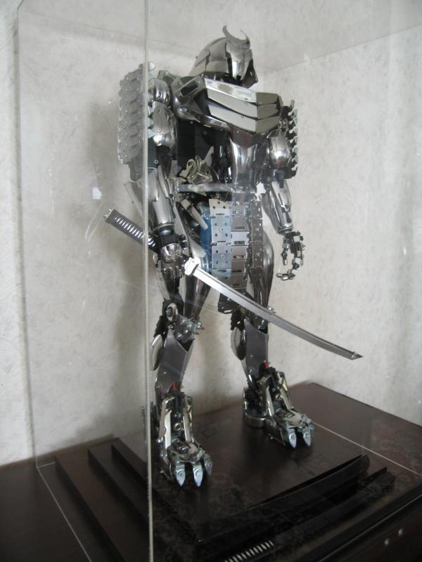 Статуя Серебряный Самурай.