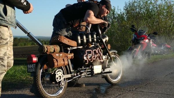 Паровой мотоцикл.